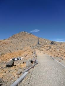 Ontake's Tibet-esque summit